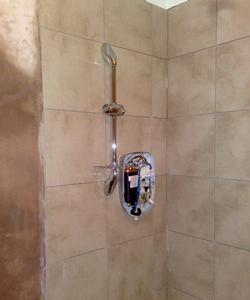 250 x 300 shower